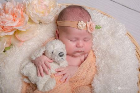 Dans les bras de bébé