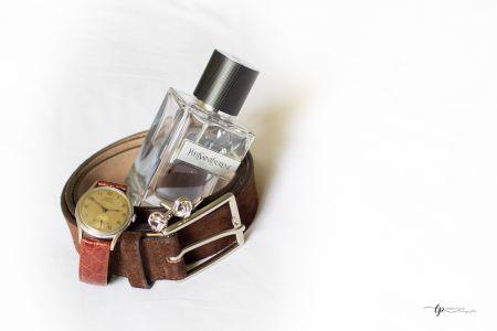 montre et flacon de parfum du marié