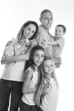 Quatre filles et deux garçons