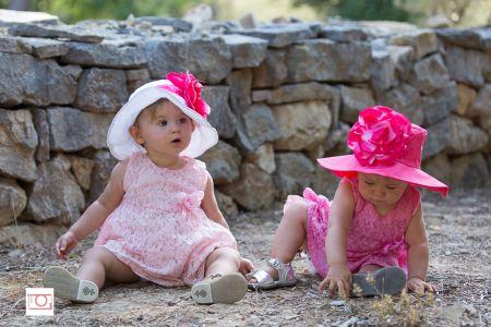 Jumelles aux chapeaux