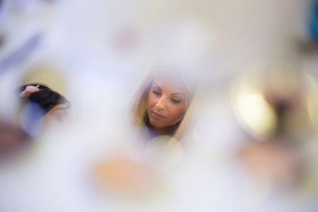 Reflet dans le miroir de la mariée