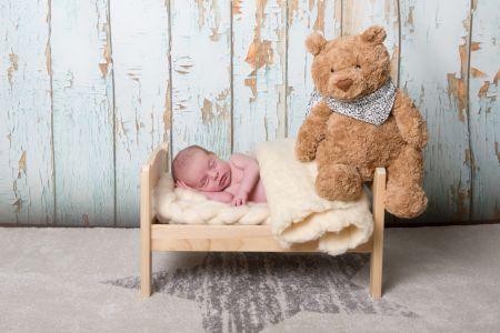 Bébé et son nounours