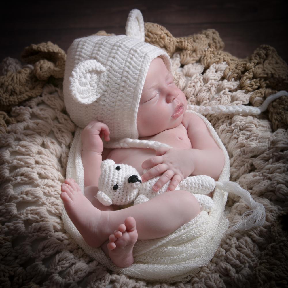 Nouveau-né et son nounours